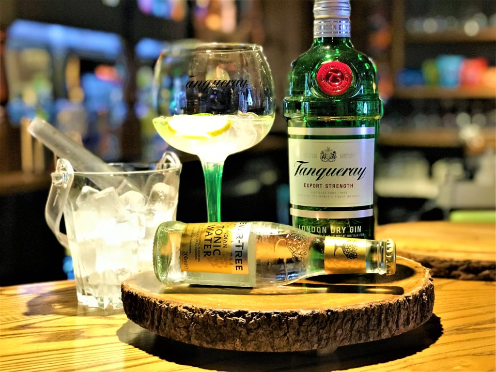 tanqueray gin perfect serve builders arms pub new barnet
